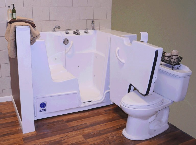 Walk-In Tub with Outward Swinging Door