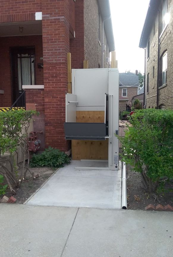 porch lift installed in Chicago for wheelchair access