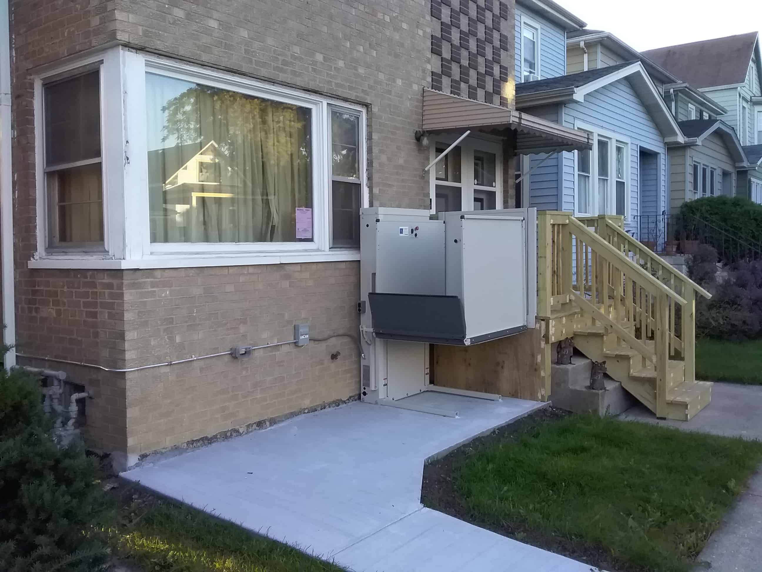 porch lift installed by Lifeway CHI in Berwyn, Illinois for safe home access