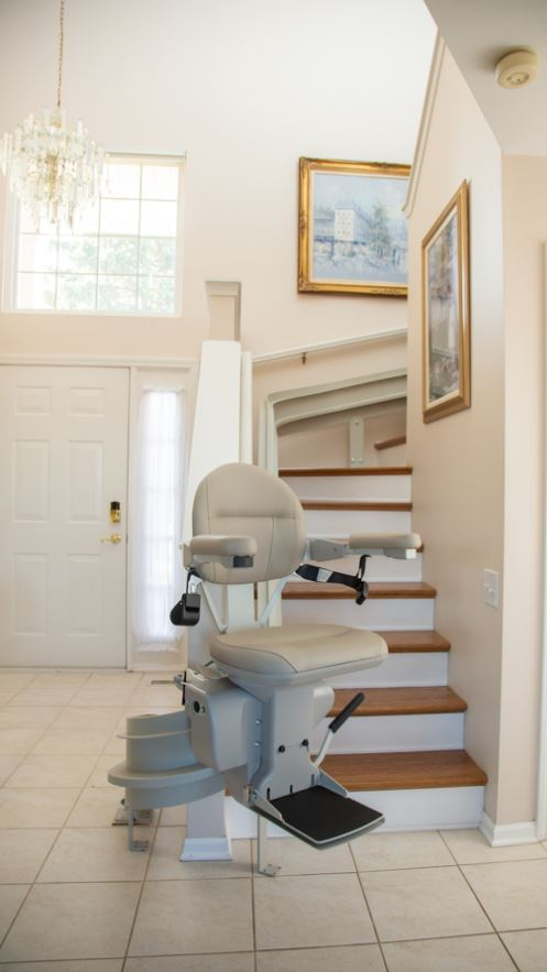 curved stair lift installed in home in Bartlett, IL by Lifeway Mobility