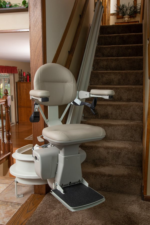 curved stair lift installed in home in Elk Grove, IL by Lifeway Mobility