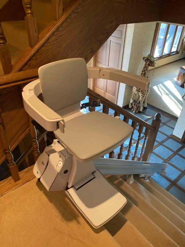 Bruno-Elan-stairlift-installed-by-Lifeway-Mobility-Indianapolis.jpeg