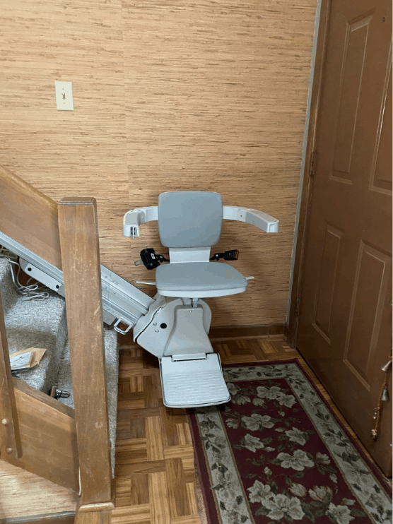 Bruno-Elan-stairlift-installed-in-home-in-Indianapolis.PNG
