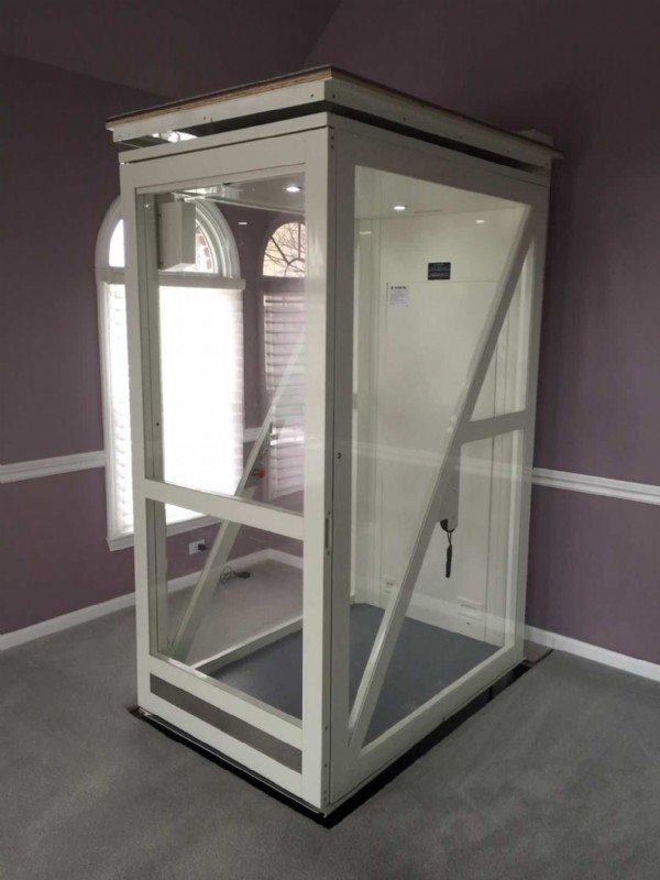 Savaria-Telecab-elevator-in-newly-installed-home-in-Hawthorn-Woods-IL.JPG