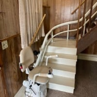 Hawle-curved-stairlift-installed-in-Kenosha-Wisconsin-by-Lifeway-Mobility.JPG