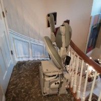 curved-stair-lift-installed-in-Northbrook-IL-by-Lifeway-Mobility.JPG