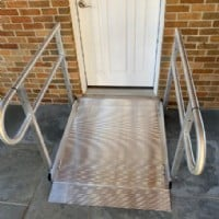 portable-aluminum-wheelchair-ramp-Lake-Forest-Illinois-installed-by-Lifeway-Mobility.JPG