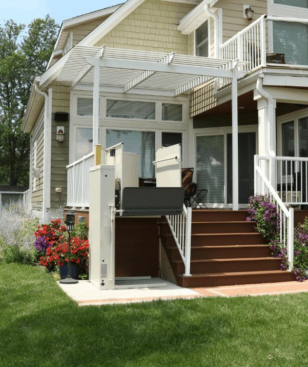 Bruno 3100 Series Outdoor Vertical Platform Lift