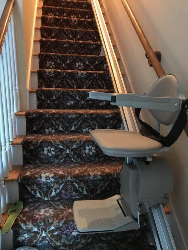 Bruno-Elan-stairlift-in-Southern-New-England-Home