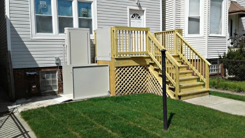 porch-lift-and-wood-deck-installed-by-EHLS-Chicago