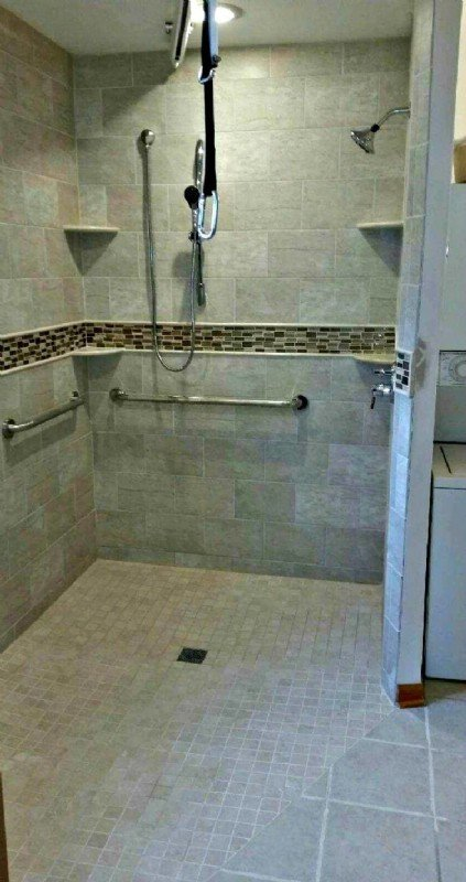 Roll-in shower installed in Hoffman Estates, IL