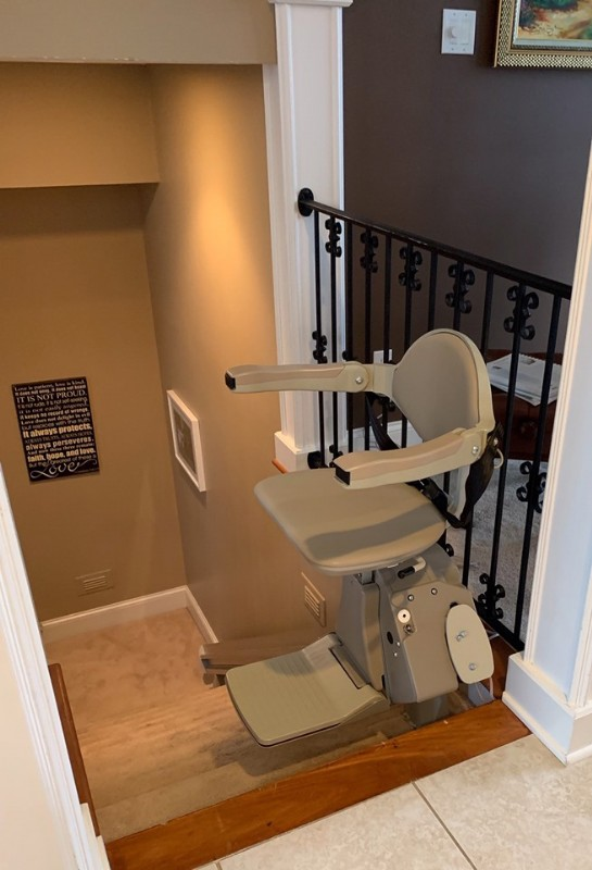 Bruno-Elan-stairlift-installed-in-home-by-Lifeway-Mobility-Indianpolis.jpg