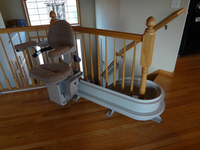 Bruno-Elite-curved-stairlift-with-extended-rail-overrun.jpg