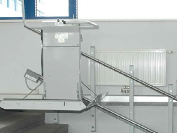 Savaria-Delta-Commercial-Inclined-Wheelchair-Lift.jpg
