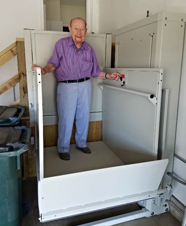 U.S.-Veteran-using-his-newly-installed-wheelchair-lift-in-Glenview-IL.jpg