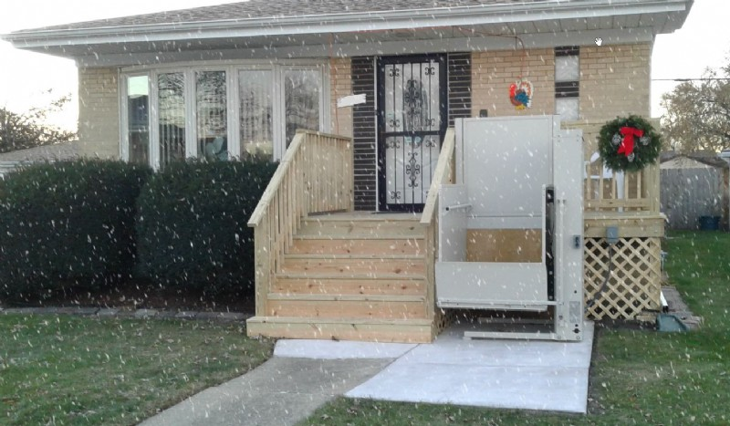 residential-lift-for-wheelchair-access-snow-falling.jpg
