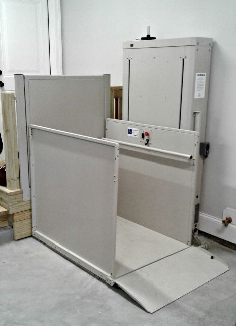 Wheelchair-Lift-installed-in-Glenview-Illinois.jpg