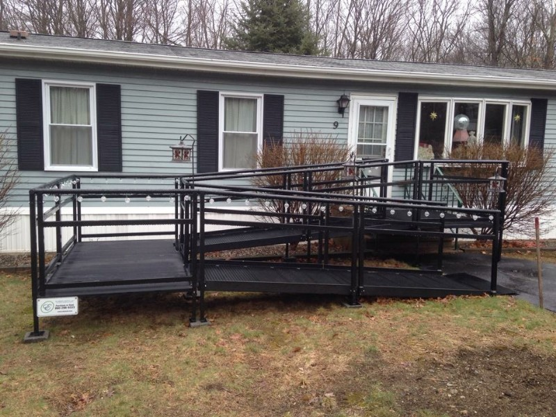 aluminum-black-modular-wheelchair-ramp.jpg