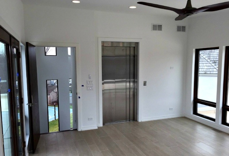 home-elevator-with-sliding-doors-lifeway-chicago.jpg