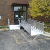 Aluminum wheelchair ramp for office building in Chicago suburb