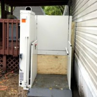 Bruno-outdoor-wheelchair-lift-installed-by-Lifeway-Mobility-in-Mankato-Minnesota.JPG