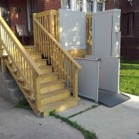 porch-lift-installed-by-Lifeway-Mobility-Chicago-in-Berwyn.jpg