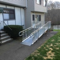 Modular-aluminum-wheelchair-ramp-for-home.jpg