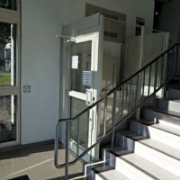 commercial-wheelchairlift-in-Chicago-installed-by-Lifeway-Mobility.JPG