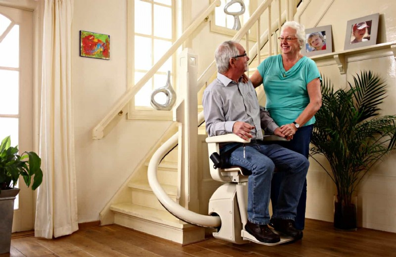 Handicare Freecurve Stairlift | Lifeway Mobility on