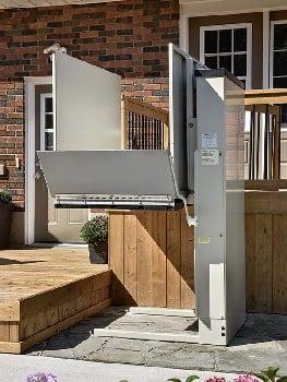 Savaria Multilift Outdoor Vertical Platform Lift