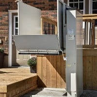 >Savaria Multilift Outdoor Vertical Platform Lift