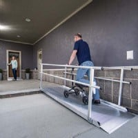 >Solid Surface Portable Ramp With Handrails