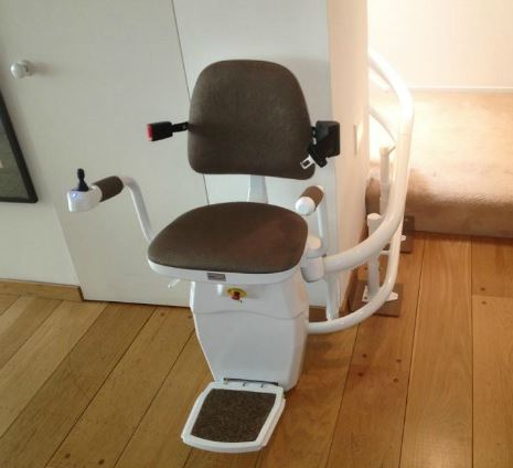 Hawle-Curved-Stairlift