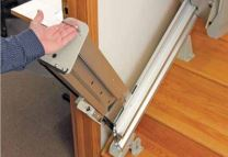 Image of the Folding Rail's easy to use handle